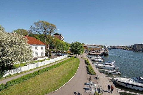 FRA KONTOR TIL BOLIG: Villaen som nå er solgt ble oppført som bolig for skipsreder Anton von der Lippe. Foto: Kristian T. Bollæren/Krogsveen