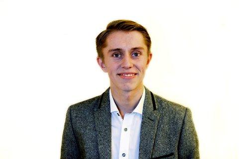 Leder i Vestfold Unge Høyre, Mathias Willassen Hanssen, går knallhardt ut mot legeforeningens forslag om å forby fremtidig salg av tobakk til alle som er født etter 2000.