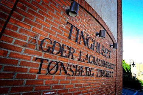 RETTEN: Det var en omfattende tiltale de to mennene måtte svare for i Tønsberg Tingrett.