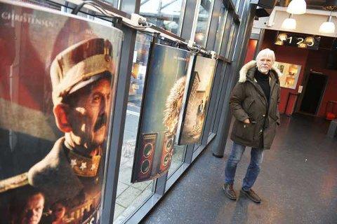 «NYE» BRYGGA: Jan Mhelum inviterer til åpning av «ny-gammel» kino torsdag kveld.