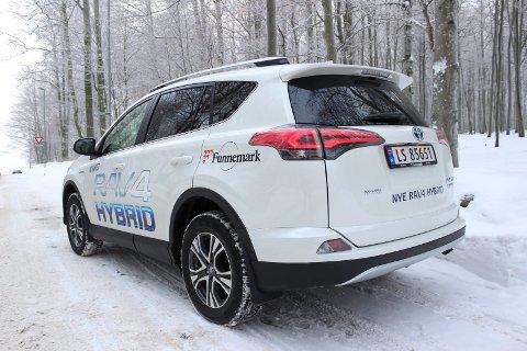 Moderne: Hybridutgaven av RAV4 har elektrisk firehjulsdrift. LED-lys bak er standard.