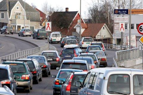 FÆRRE KJØRETURER: Tønsberg kommune skal innen 2030 redusere sine utslipp med 40 prosent og være karbonnøytral innen 2050. Det betyr at bilen din må få noe flere hviledager hjemme i garasjen enn i dag.
