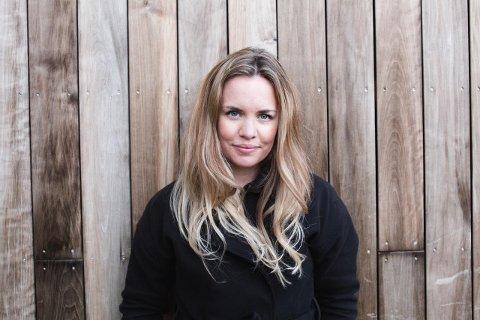 ADVARER: Presseansvarlig for Slottsfjellfestivalen, Silje Larsen Borgan, advarer folk mot å kjøpe billetter av folk de ikke kjenner.