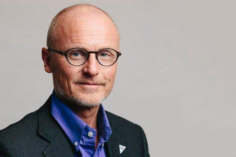 STILLER: Lars Egeland fra Tønsberg, er en av tre kandidater fra SV i Vestfold som er med på unikt demokratiseringseksperiment.