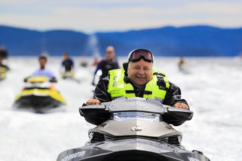 Oslofjorden  20160717.  Norges Vannscooterforbund har en markering med flere vannscootere som kjører fra Drøbak til Oslo. FrPs stortingsrepresentant Bård Hoksrud deltar på markeringen. Foto: Vegard M. Aas / NTB scanpix