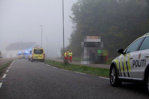 SKULLE LEVERE MATJORD: Lastebilsjåføren skulle levere matjord til enprivatperson da ulykken i Brattåsveien skjedde.