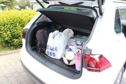 FLEKSIBELT: Volumet i bagasjerommet er i utgangspunktet på 520 liter, men dette varierer mellom 440 og 615 liter avhengig av baksetets posisjon. Maksimal kapasitet er 1.655 liter med setene nedfelt.