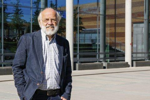 Enn så lenge står www.usn.no for University Collage of Southeast Norway, hevder rektor Petter Aasen.