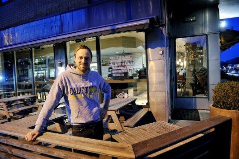 IKKE BILLIGERE: Kverneriet-gründer David Dörrich har ingen planer om å senke prisene for dem som tar burgerne med seg hjem eller til jobben.