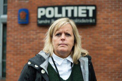 ADVARER: Kari Benjaminsen, leder for forebyggende avdeling på Drammen politistasjon.