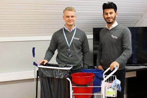 VIKTIG: Solrunarson og Khder er opptatte av å vise at renholdsyrket er et like verdifullt og krevende yrke som andre yrker.