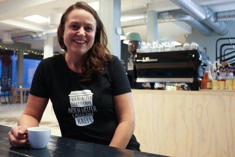 BYIDEALIST: Kjersti With er opptatt av byutvikling og følte Tønsberg trengte en kaffebar med kvalitet. Dette har blitt til fem avdelinger på seks år.