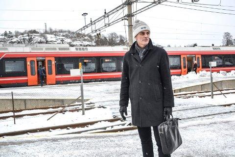 FOR SENT: Sandefjord-ordfører Bjørn Ole Gleditsch har fått Vesar og Veireno-problematikken i fanget fra Andebu og Stokke. Han er kritisk til Vesars håndtering av det han mener har vært Veirenos avtalebrudd.