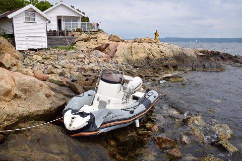 UNØDVENDIG: Hadde føreren av denne båten sagt ifra at han var i sikkerhet, kunne en flere timer lang redningsaksjon vært unngått.
