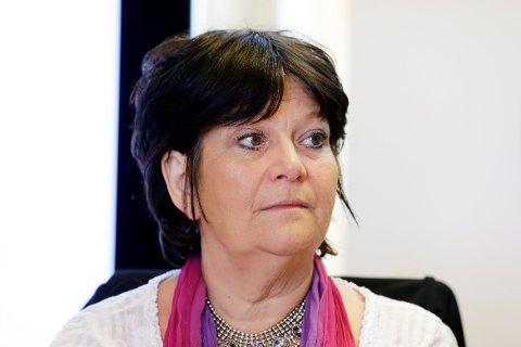 Fremskrittspartiets Ingebjørg Godskesen sier hun neppe kommer til å bestemme seg før hun trykker på stemmeknappen. Dersom hun og én annen blå politiker sier nei, blir det ikke flertall for reformen.