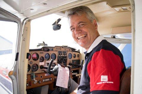 KREVENDE: Presisjonsflyvning er en krevende sport. Helge Fekete fra Stokke tror likevel det norske landslaget kan hevde seg godt.
