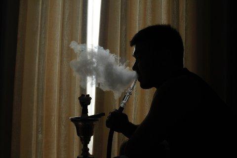 SØT RØYK: Frukttobakk røykes som regel i vannpipe, og er vanligst i Midtøsten. Det er forbudt i Norge.