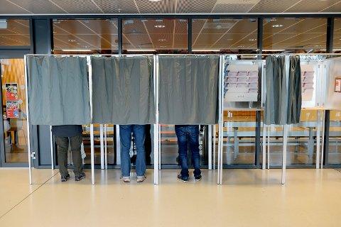 I år er det ekstraordinært kommunevalg for innbyggerne på Nøtterøy og Tjøme. Det er ikke lov å stryke personer fra lista, men det er mulig å gi ekstrastemmer, og føre opp navn fra andre partilister.