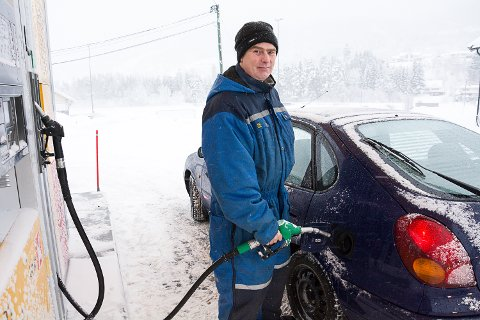 UHELDIG: Sven Arild Namtvedt Nesse var en av de uheldige som fikk diesel på tanken da han skulle fylle bensin i helgen.