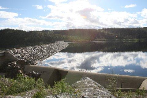 AVLYSER STRØMKRISE: Vannmagasinene er i ferd med å fylles opp etter mye regn i august og september.
