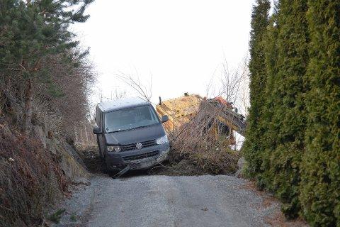 JORDRAS: Store ødeleggelser etter jordras i Svelvik sist helg.