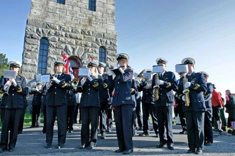 KONSERT: Tønsberg Janitsjarkorps pleier være et fast innslag på 17. mai. Nå inviterer korpset til konsert også kvelden i forveien.