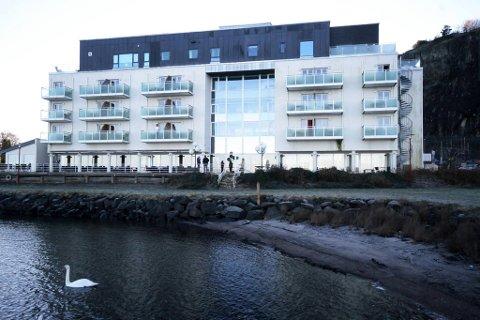 TIL SALGS: Etter 12 år selger Østfold-investor Terje Skolt Holmestrand fjordhotell. Han ønsker ikke å si for hvilken pris, bare at den blir høy.