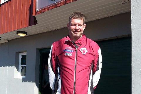 SLO TIL DIREKTE: Allerede første dagen satte Iver Hytten fra Tønsberg Friidrettsklubb nordisk mesterskapsrekord i vektkast. Han kastet den 11,34 kg tunge vektredskapen 20,08 meter.