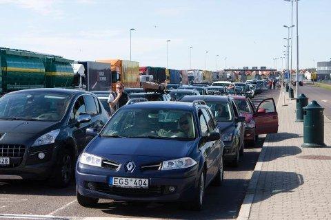 ADVARER: Statens vegvesen advarer om at det i dagene under gatebilløpene på Rudskogen i Østfold kan oppstå køer og ventetid på ferjekaia og køer på utsatte veier. Arkivfoto