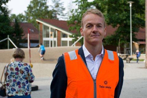 OM FRAVÆR: Som rektor  ved Teie skole og tidligere ved Vestskogen skole, har Jan Kristian Johansen opplevd at foreldre tar ut barna sine fra skolen til tross for avslag på permisjon.