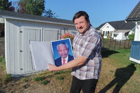 SAMLER: Rune Moe har samlet autografer i nesten 30 år.