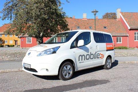 FUNKSJONELL: Elektriske Nissan e-NV200 Evalia er en fin løsning for drosje- og sjåførtjenester eller til bruk som familiebil.