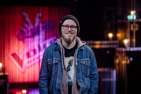 VIDERE: Oskar Svensen Øiestad (23) fra Nøtterøy tok alle dommerne med storm i fredagens sending av The Voice.