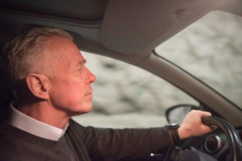 TRØTTE SJÅFØRER: Kommunikasjonssjef i Gjensidige, Arne Voll, mener det er bekymringsfullt at såpass mange passasjerer er bekymret for at sjåføren skal sovne.