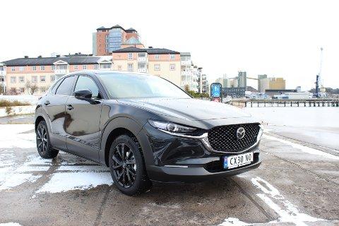 NY SUV: Nå kommer Mazda med en lillesøster til CX-5; nye CX-30. Mekanisk er mye likt med kombimodellen Mazda 3, blant annet den nye og avanserte Skyactiv-X motoren.