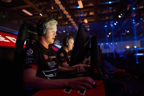 I FINALEN: Ludvik Jahnsen og laget hans Faze er med i verdensmesterskapet i e-sportspillet PUBG.