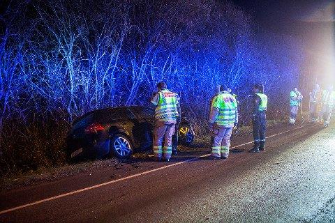 KJØRTE UTFOR: Nødetatene rykket natt til onsdag ut til en trafikkulykke i Ringveien.