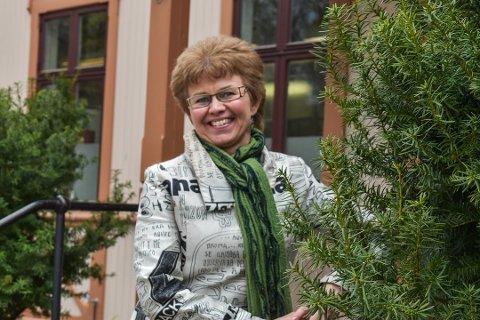 OG VINNEREN ER...: Kathrine Kleveland er årets gladjente 2019, mener forfatteren.