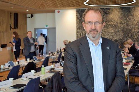 BRED ENIGHET: Hovedutvalget for samferdsel og areal i Vestfold fylkeskommune var enige med Jan Birger Løken i at det må være mulig å ta motorsykkel- og lastebillappen i Vestfold også i fremtiden.