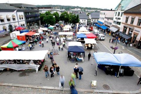 LIV PÅ TORVET: Siste torsdag før sankthans, arrangeres, tradisjonen tro, Tønsbergdagen.