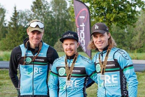 VINNERLAGET: Tønsberg Cykkelklubbs vinnerlag på Bispeveien. Fra venstre Jon-Anders Bekken, Ken-Levi Eiukeland og Marius Blålid.