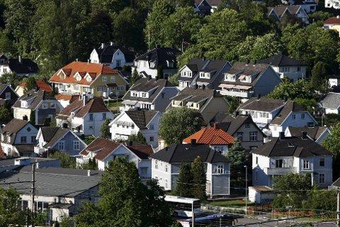 MER KREVENDE: Drømmen om egen bolig vil bli fjernere for mange med de nye gjeldsregistrene, skriver banksjef Børre Grovan.