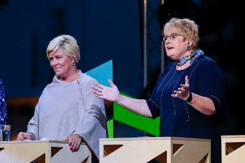 DÅRLIG MÅLING: Siv Jensen (Frp) og Trine Skei Grande (V) under partilederdebatten fra Arendalsuka mandag kveld. I en fersk måling for NRK kommer deres partier dårlig ut.
