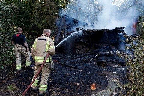 TOTALSKADET: Hytta brant ned til grunnen.