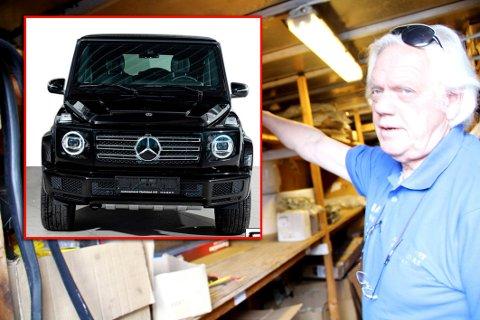 STAKK AV MED BILEN: Mercedesen (innfelt) har en verdi på over to millioner kroner. Bjørn Egil Fjeldstad på Autocenteret Fjeldstad AS fortviler etter at prøvekjøreren ikke kom tilbake.