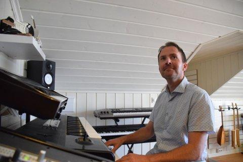 SNART KLAR: Dagfinn Ellingsen er snart klar med både sin første plate og med konsert i Støperiet.