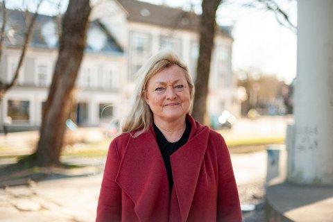TRIST: – Essoraffineriet har hatt en stor betydning for Tønsberg, sier ordfører Anne Rygh Pedersen. Nå legges det ned.