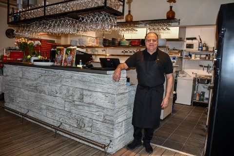 NUMMER TRE: Mostapha Qubaysi har åpnet sin nye restaurant. Han har stor tro på Sjøsiden Jarlsø.