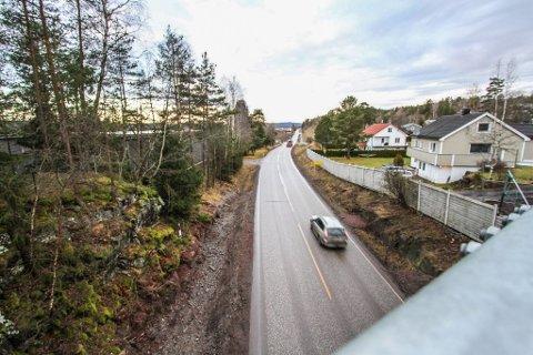 TATT: Det var på Bispeveien mellom Tønsberg og Revetal at den unge sjåføren ble tatt på fersken av politiet.