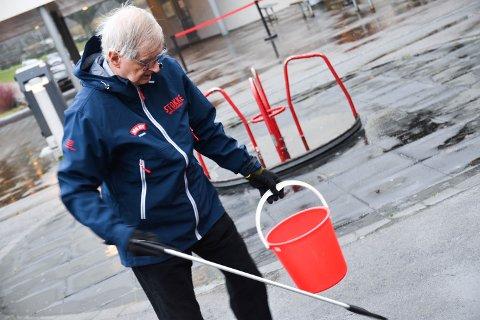 RENT OG PENT: Per Bruun syns det er stas å bli satt pris på for jobben han gjør, men ønsker at flere engasjerte seg for å holde det rent og pent rundt seg.
